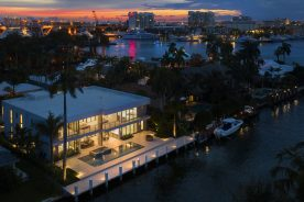 nightime shot of 2519 Lucille Drive | Florida Luxurious Properties