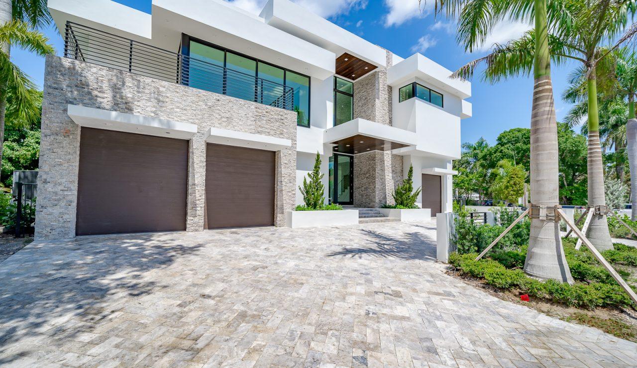 front exterior of 31 fiesta way | florida luxurious property